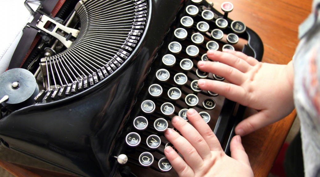 hands-typewriter-828871-wallpaper